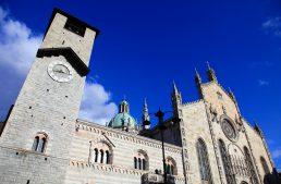 Como Kathedrale, Palazzo Broletto und Sant'Abbondio Kirche