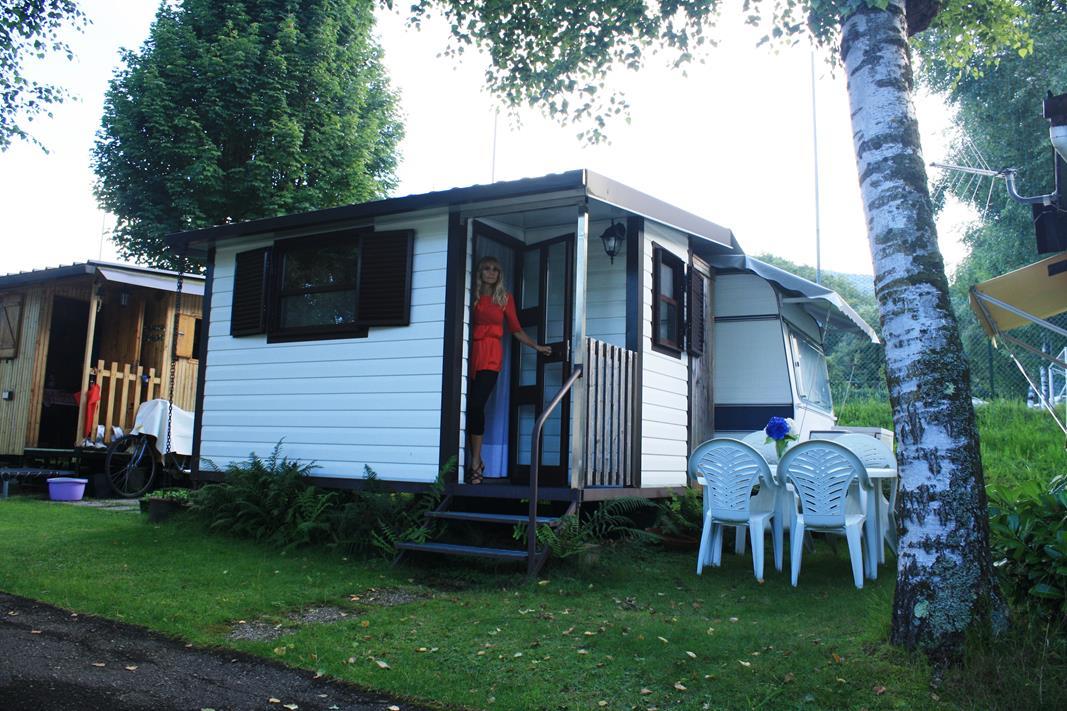 vermietung wohnwagen preise campeggio lago di como. Black Bedroom Furniture Sets. Home Design Ideas